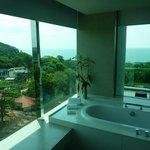 Blick vom Bad zum Balkon