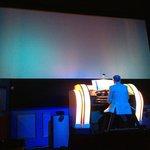 O órgão iluminado.
