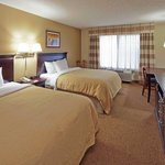 CountryInn&Suites WestBend  GuestRoomDouble