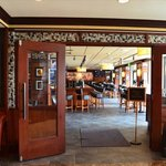 Entrance to Bar Louie, in Oak Brook Terrace Holiday Inn
