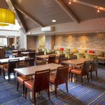 Holiday Inn Express Edinburgh Airport's Guest Lounge