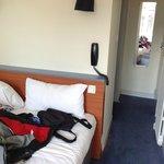 Chambre 23 lit contre mur