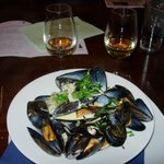 Mussels, cider & shallot sauce