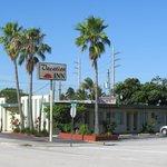 Vacation Inn Motel ground photo