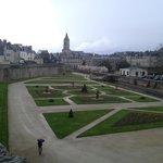 Вид на парк с крепостной стены