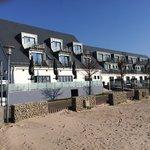 Strandhotel von der Seeseite.