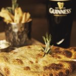 Steak & Guinness Pie with a pint of the black stuff!