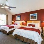 Riverside 2 Bedroom Suite QQ Bedroom