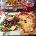 Demi pizza / salade