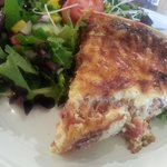 Ham and onion quiche