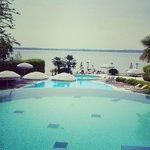 Vista dalla piscina termale, fronte lago