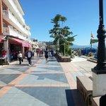 paseo marítimo de Torremolinos, muy cerca de los apartamentos