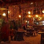 Le bar de l'hotel sur la plage