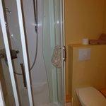 manque de recul pour photographier cette douche