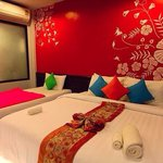 Warm feeling room from V2 Seagate Hip Hotel������
