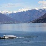 fantastischer Blick auf den See und die Berge
