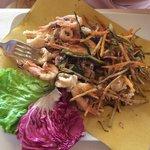 Frittura di calamari e gamberi con  verdurine