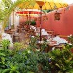 Terraza de la Cafetería El Sitio en el Hotel Hacienda de Abajo, Tazacorte, La Palma, Canarias