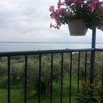 la vista lago dal tavolo