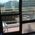 glass thin on balcony door dangerous
