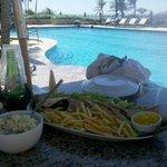 Almoço na piscina