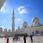 Белый мрамор мечети