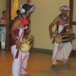 Folk show at the hotel