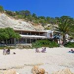 El restaurante visto desde la playa