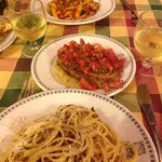 Penne,Brischetta,Grigia e sempre vino Bianco della casa