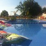 La piscine chauffée pour profiter toute la saison