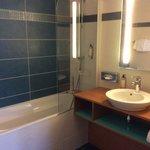 salle de bain chambre 11