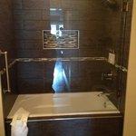 Olea Hotel Bathroom
