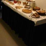 buffet della colazione - dolci fatti in casa