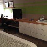 Plenty of desk space, cable TV