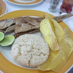 Pargo with rice and bread fruit