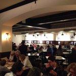 Salle à manger deuxième étage, Angelo's Pizza