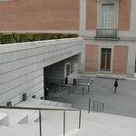 プラド美術館入口