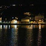 Vista Noturna do Rio em Frente à Pousada.