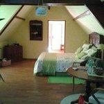 """La chambre """"Crémant de Loire"""" (au fond, la """"suite"""")"""