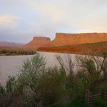 view upriver at sunset from Red Cliffs Lodge