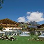 Resort Aussenansicht Sommer