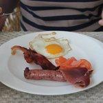 Frühstücken im April auf der Terasse - toll