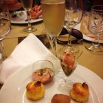 Club Premium Champagne and appetizers