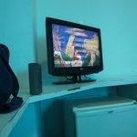 Durante os 5 dias, TV cheia de chuvisco em todos os canais, móveis lascados.