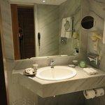 Salle de bains chambre 406