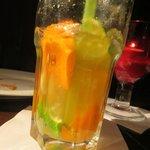 gigner ale, orange, and lime