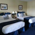 Two queen beds.  Decent linens.
