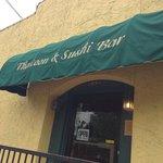 Thaicoon & sushi bar