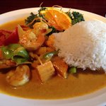 Yellow curry w shrimp. SO good