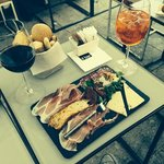 Drinks & Cheese y Charcuterie platter